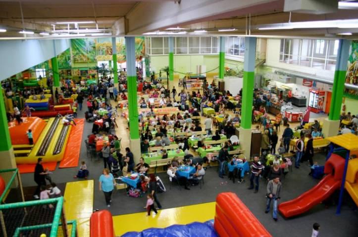 indoorspielplatz jackelino safari in k ln godorf. Black Bedroom Furniture Sets. Home Design Ideas