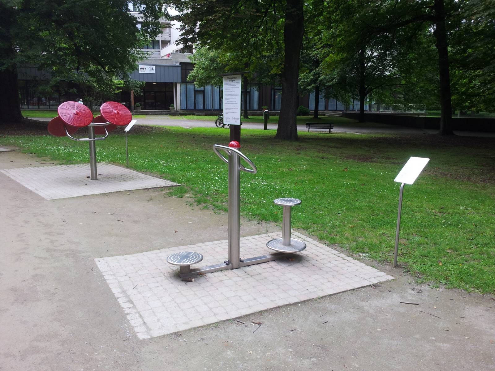 Spielplatz Am Tiergarten in Hannover, Kirchrode   spielplatznet.de