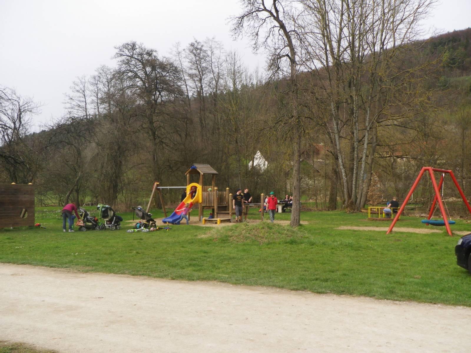 Spielplatz Unterzaunsbach in Pretzfeld, Unterzaunsbach | spielplatznet.de