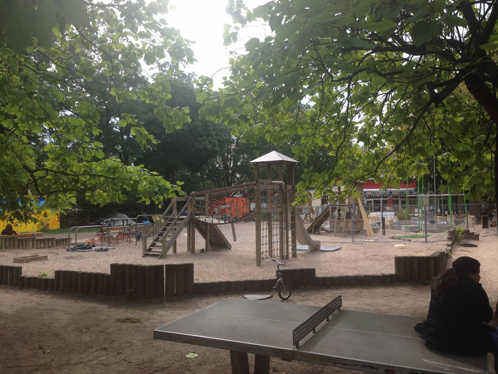 abenteuerspielplatz ottopark in berlin tiergarten. Black Bedroom Furniture Sets. Home Design Ideas