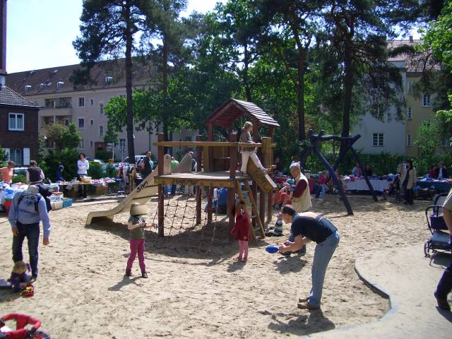 spielplatz oldenburgallee in berlin charlottenburg. Black Bedroom Furniture Sets. Home Design Ideas