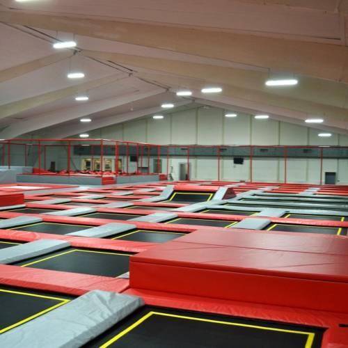 indoorspielplatz jumping point indoor trampolinpark halle quickborn bei hamburg in. Black Bedroom Furniture Sets. Home Design Ideas